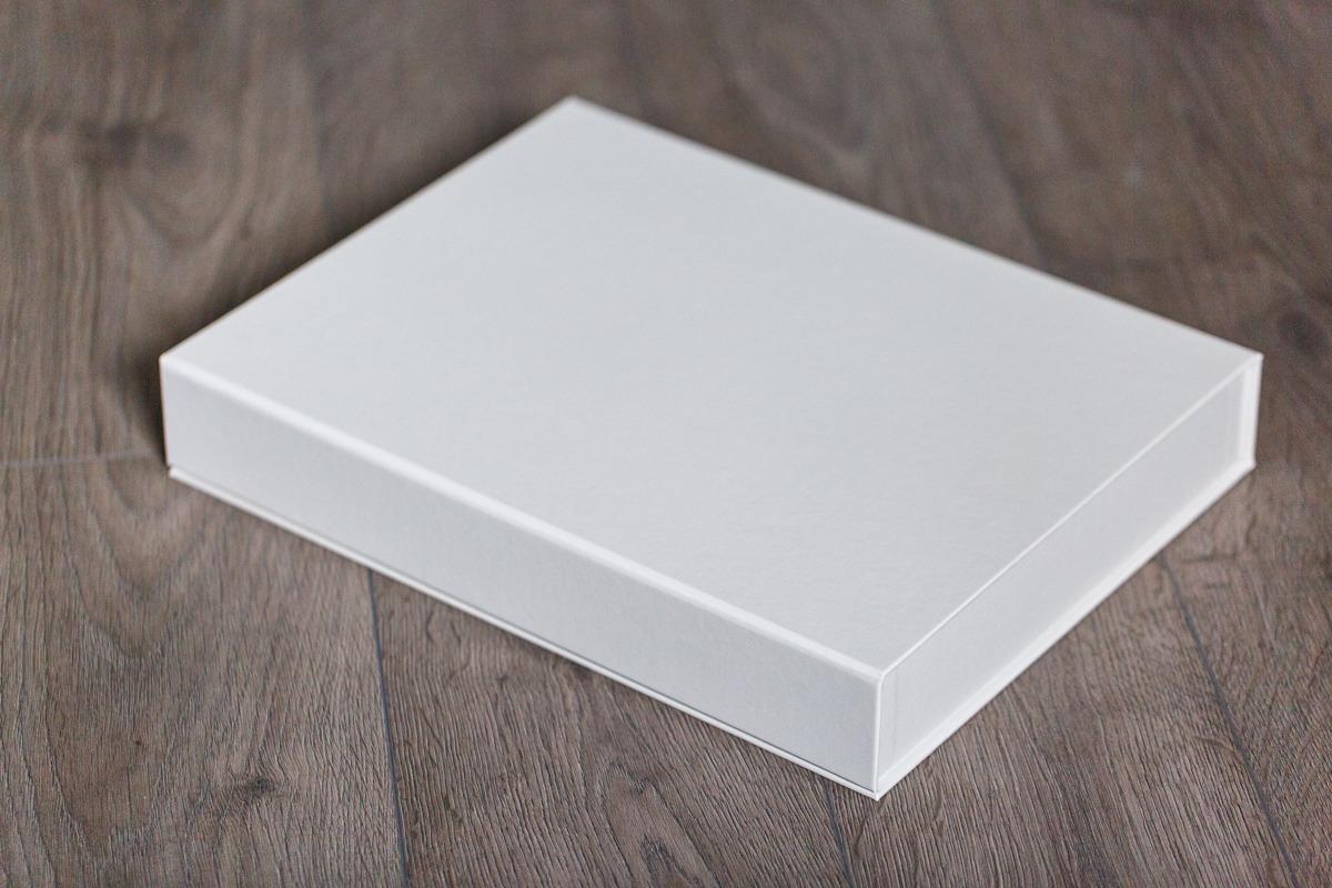 SkyBook Studio Classic Box White